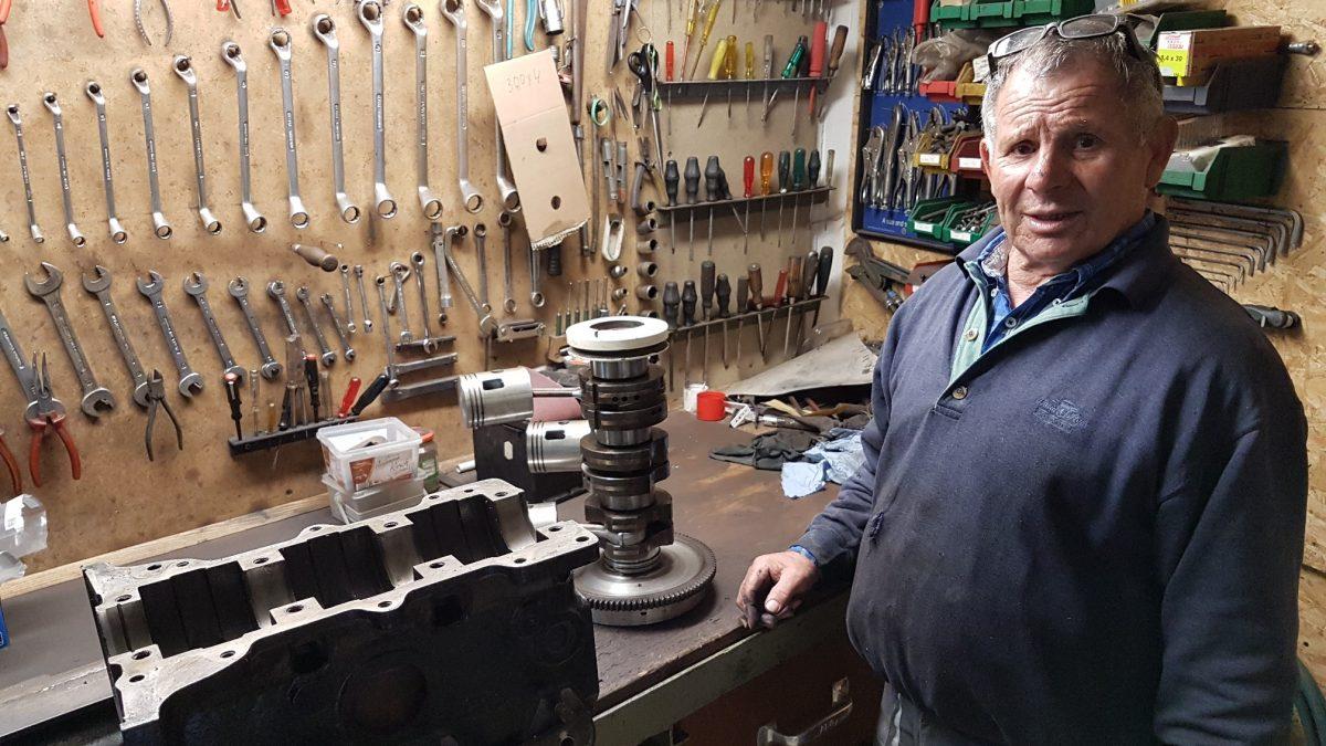 Scuderia Hartmann-Der Motor wurde in der Werkstatt von Jakob Lindner zerlegt